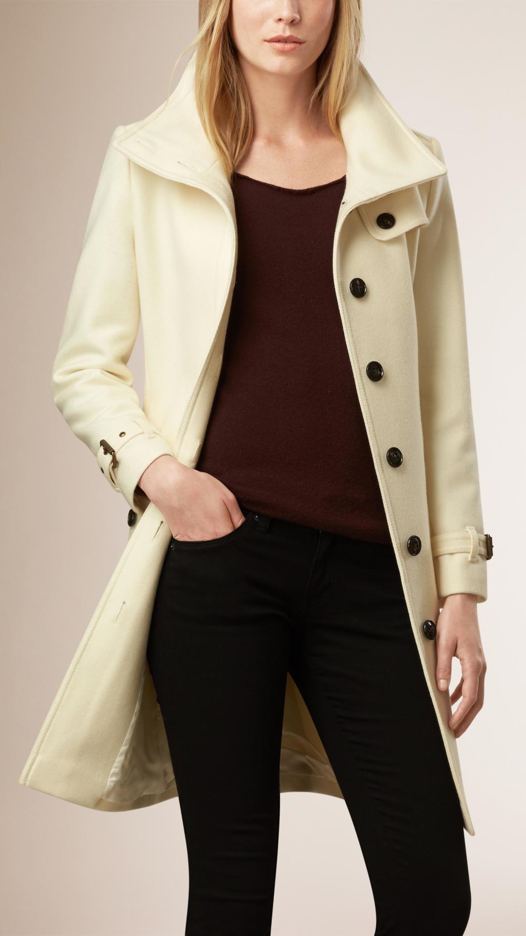 cdad3e37cec9 Burberry Virgin Wool Cashmere Blend Coat in Natural - Lyst