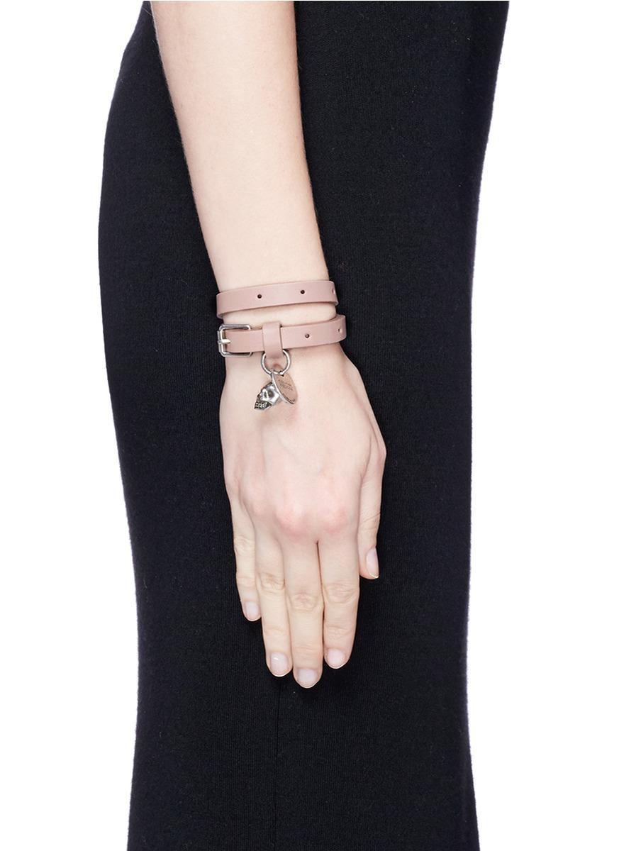Alexander McQueen Skull-charm double-wrap leather bracelet WJaUqR