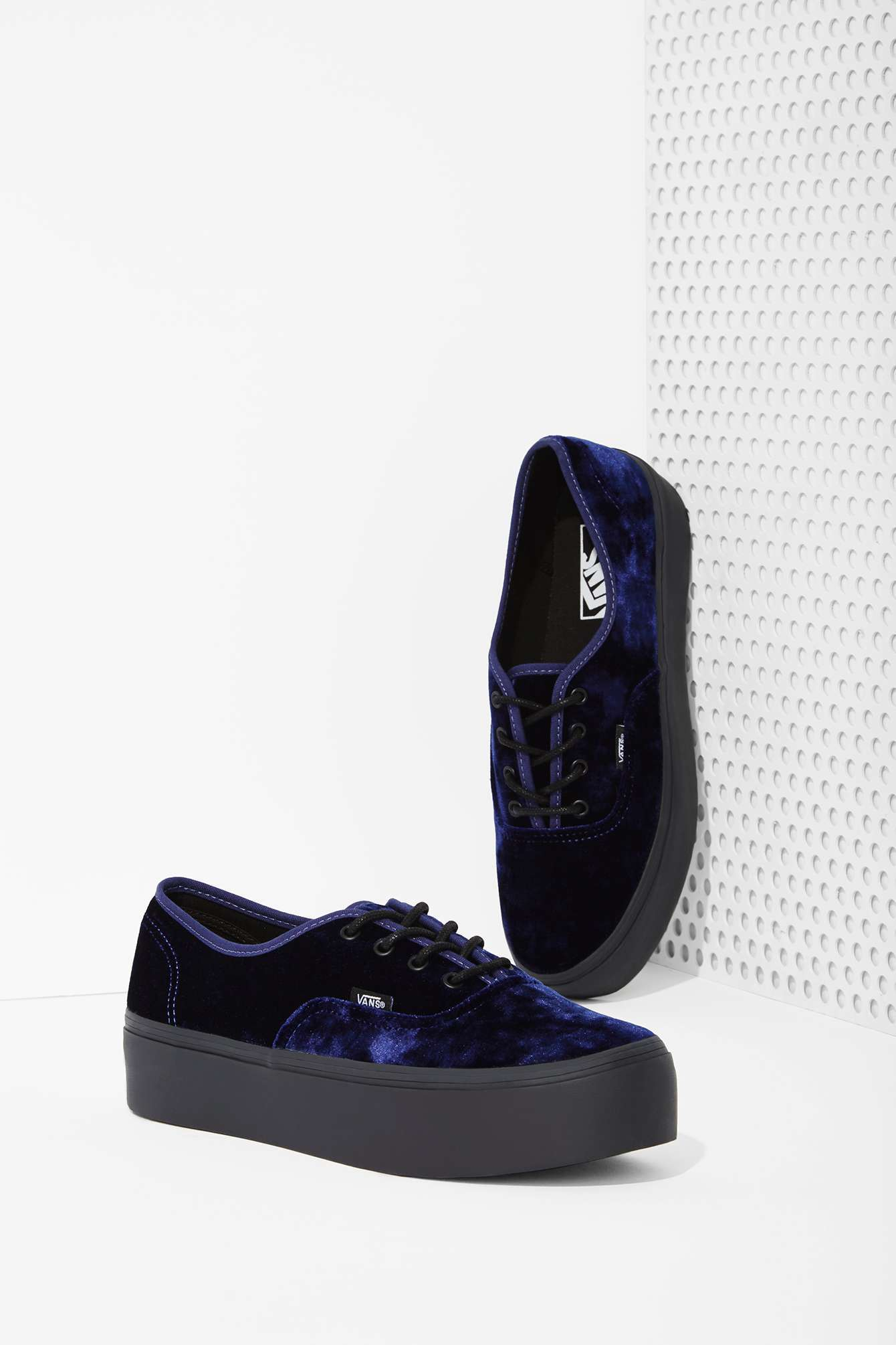 f5582a96439 Authentic Lyst In Sneaker Velvet Blue Nasty Platform Vans Gal 16FtxRwqv