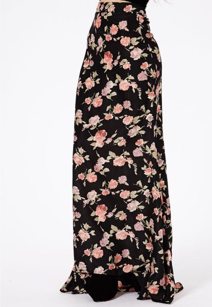 missguided ariel floral print maxi skirt in floral lyst