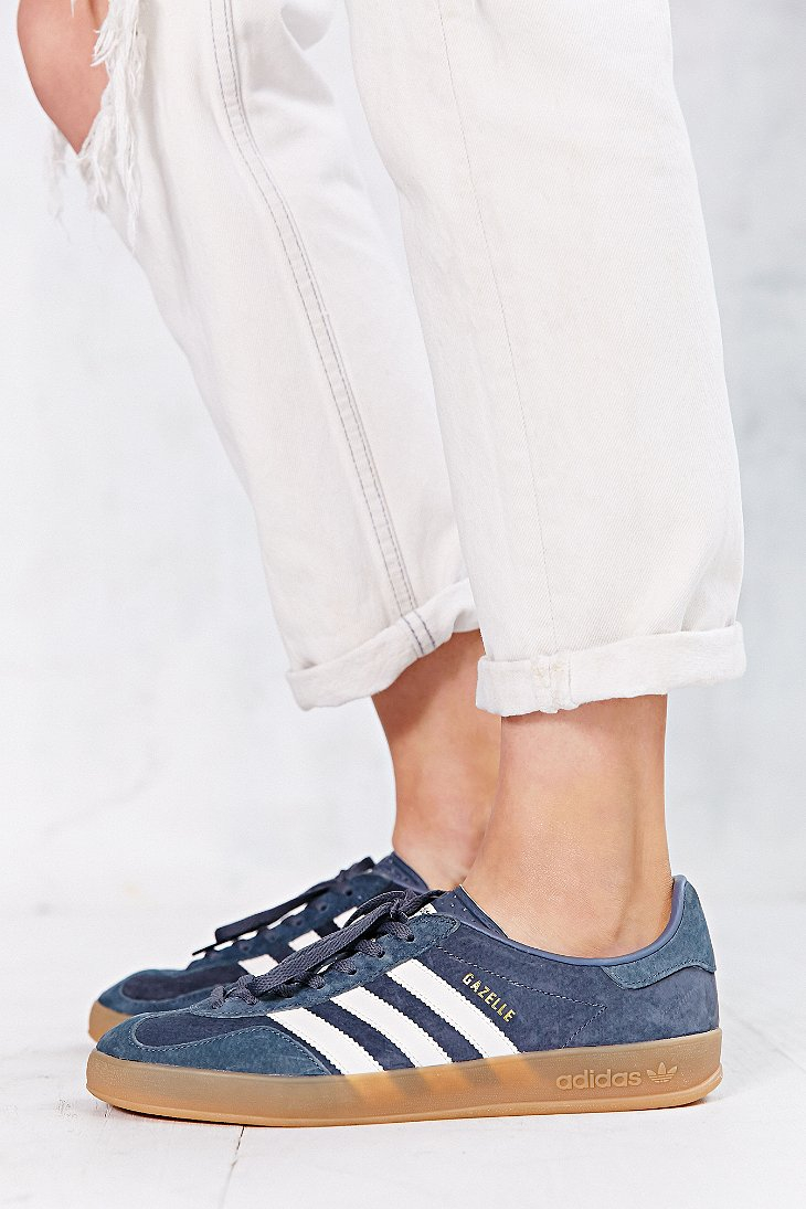 competitive price acbe5 20c2d Gallery. Previously sold at Urban Outfitters · Womens Adidas ...