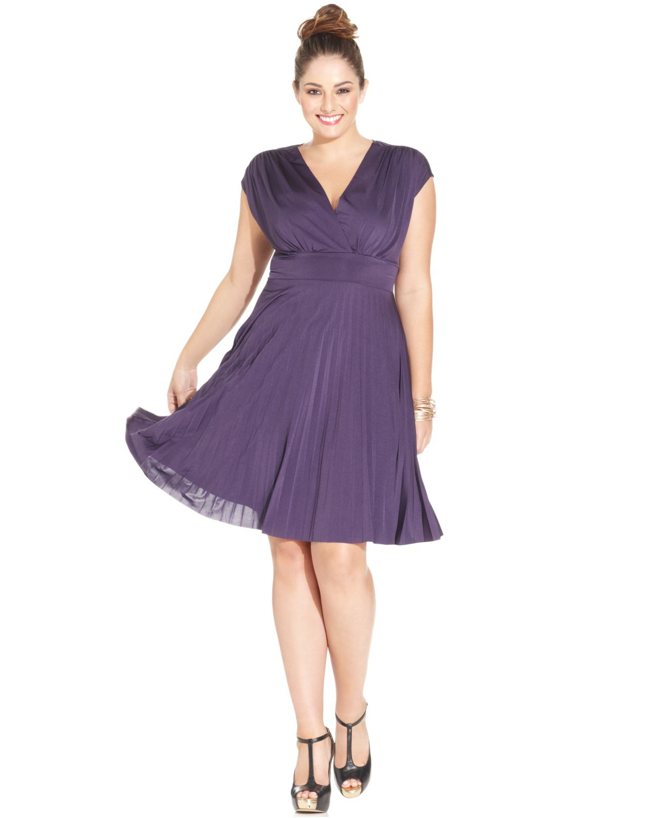 8a0dfc14f4902a Lyst - Soprano Plus Size Cap-Sleeve Pleated Empire Dress in Purple