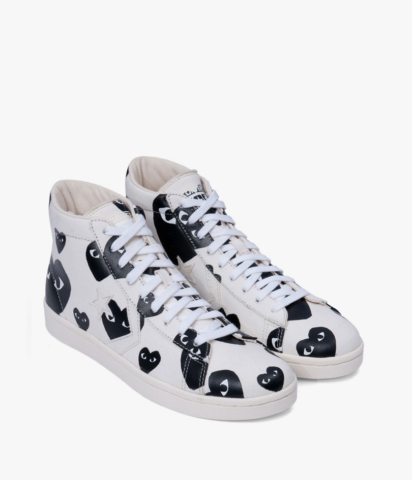 play comme des gar ons high top logo sneaker in white for men white black lyst. Black Bedroom Furniture Sets. Home Design Ideas