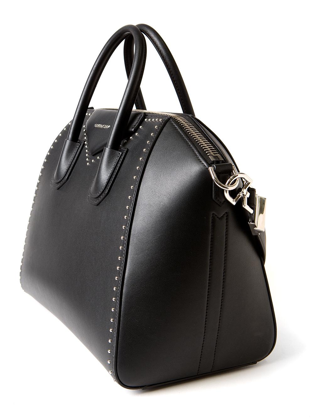 f6a7ff88fb6 Givenchy Antigona Medium Studded Tote in Black - Lyst