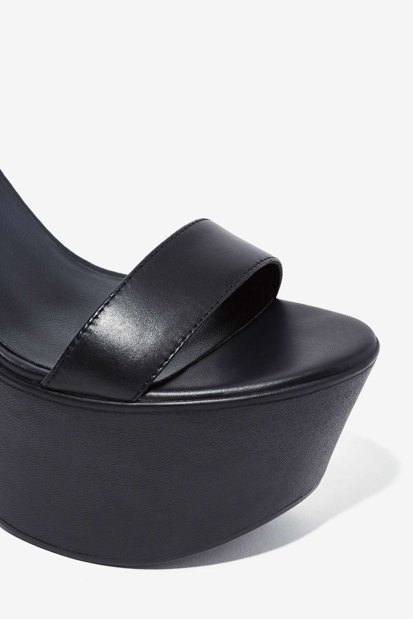 nasty gal windsor smith luxe leather platform in black | lyst