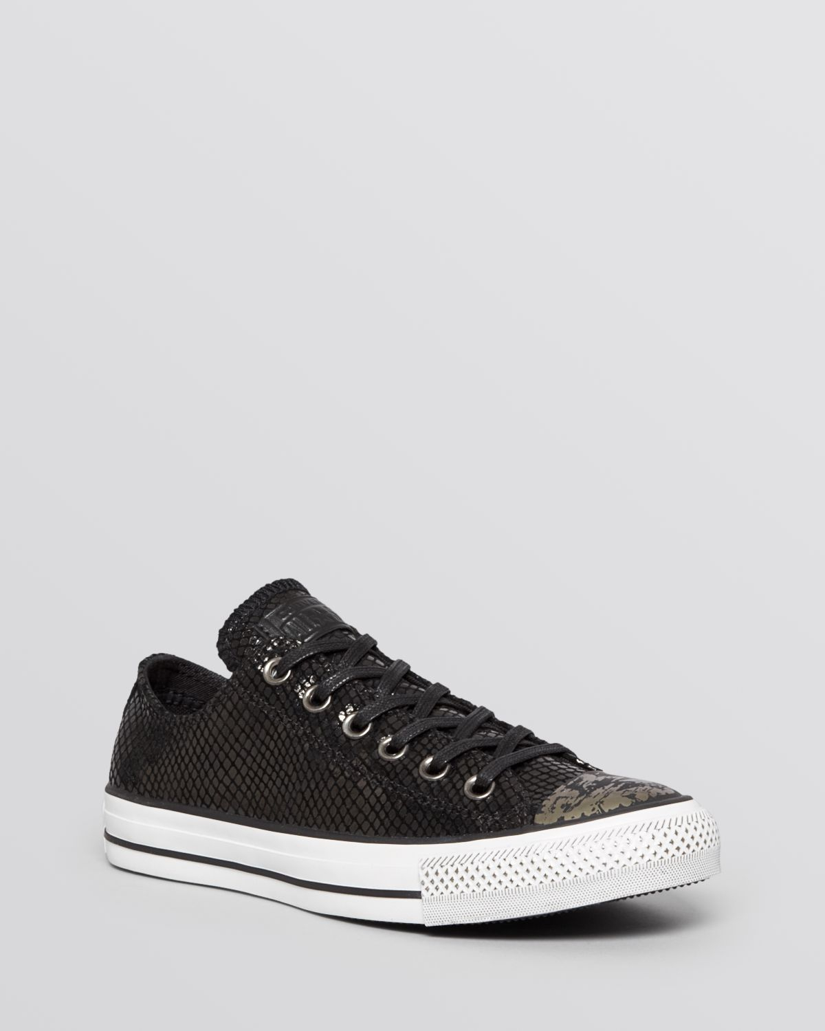 af5c354dfe9b67 Converse Flat Lace Up Sneakers - Low Top Metallic in Black - Lyst