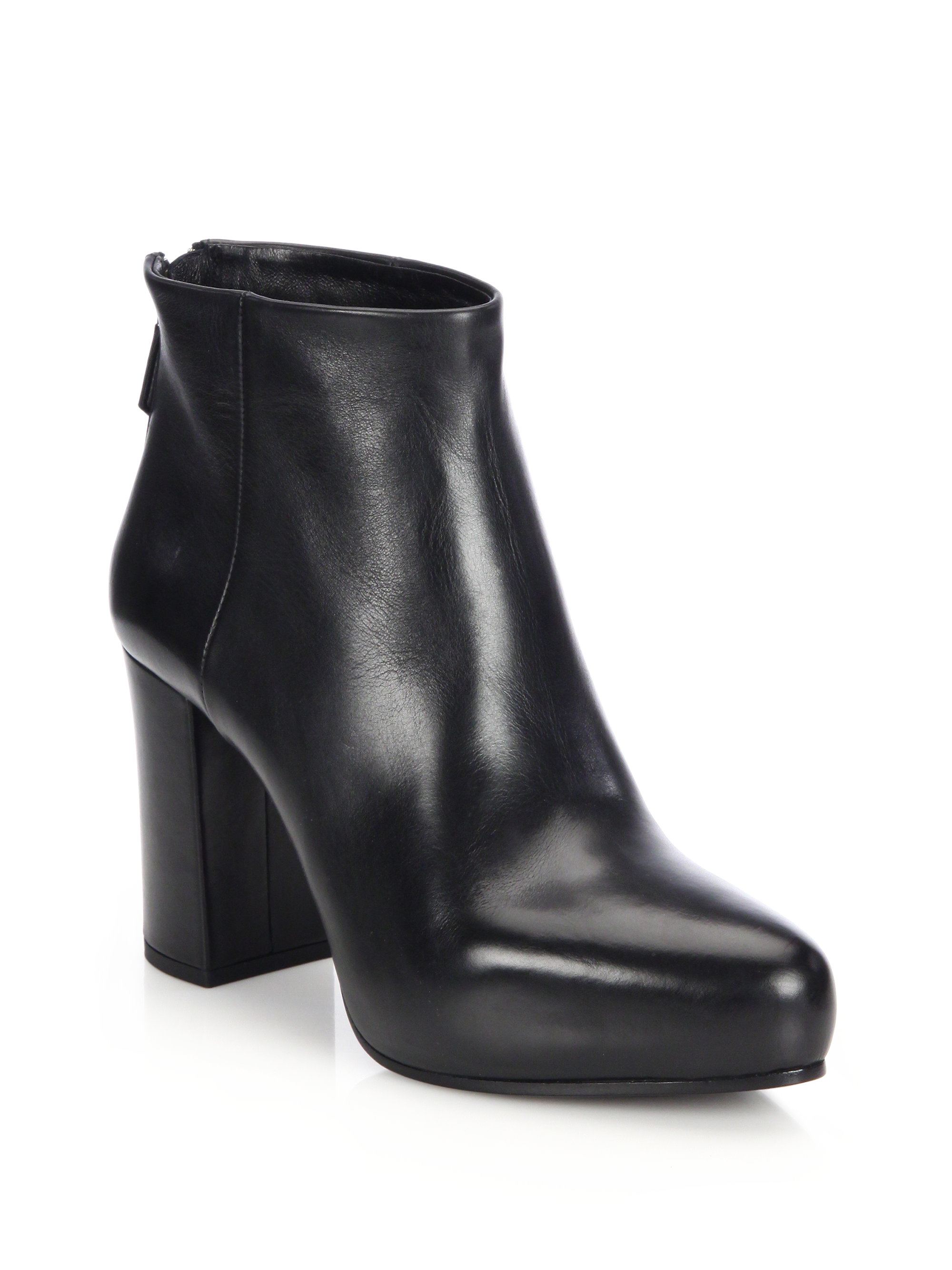 Shop women's shoes, heels, flats, sandals and boots for women from White House Black Market in a variety of styles and colors. Free shipping for all WHBM rewards members.