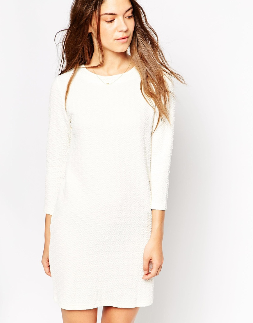 f41c0f164d09 Vero Moda Long Sleeve Shift Dress With Cut Out Back in White - Lyst