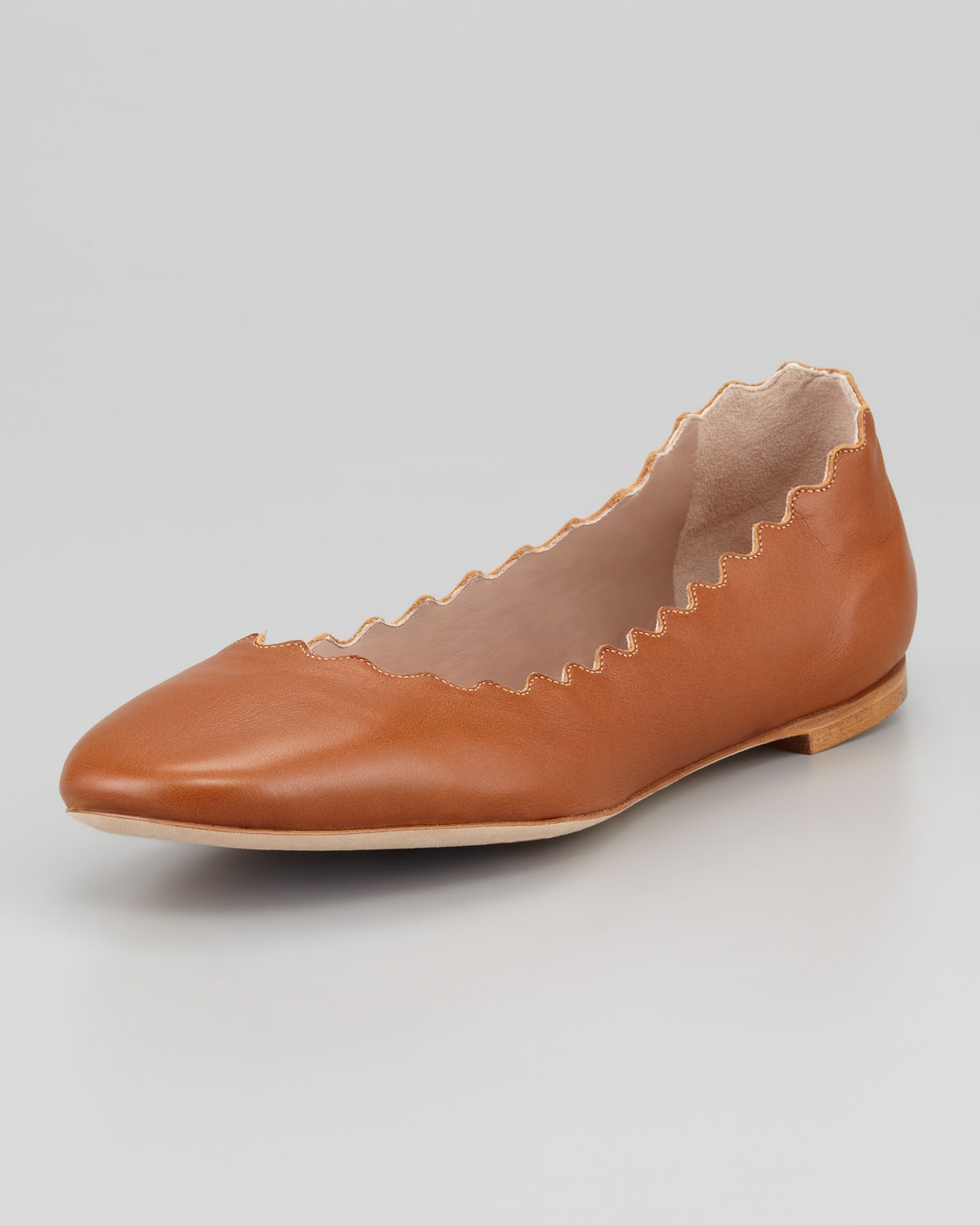 d9d13a097 Chloé Scalloped Leather Ballerina Flat Tan in Brown - Lyst