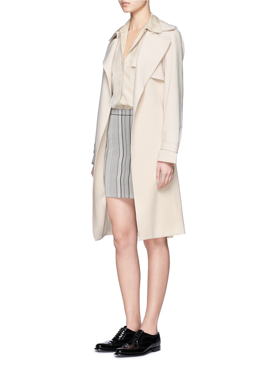 0e4498ccaa Theory Oaklane B Crepe Trench Coat in Natural - Lyst