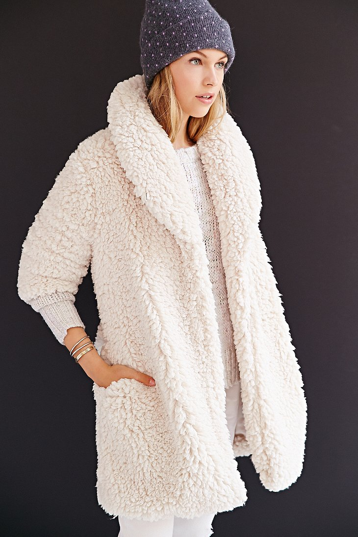 324eb51888 Lyst - Pins And Needles Sherpa Furry Robe Coat in Natural