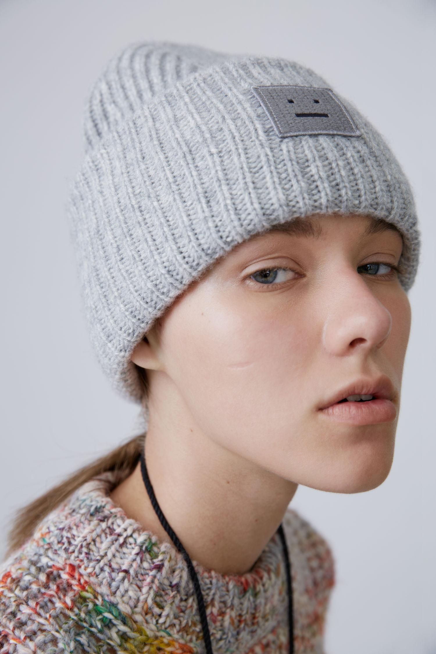 Pansy wool hat Acne Studios NIQiK