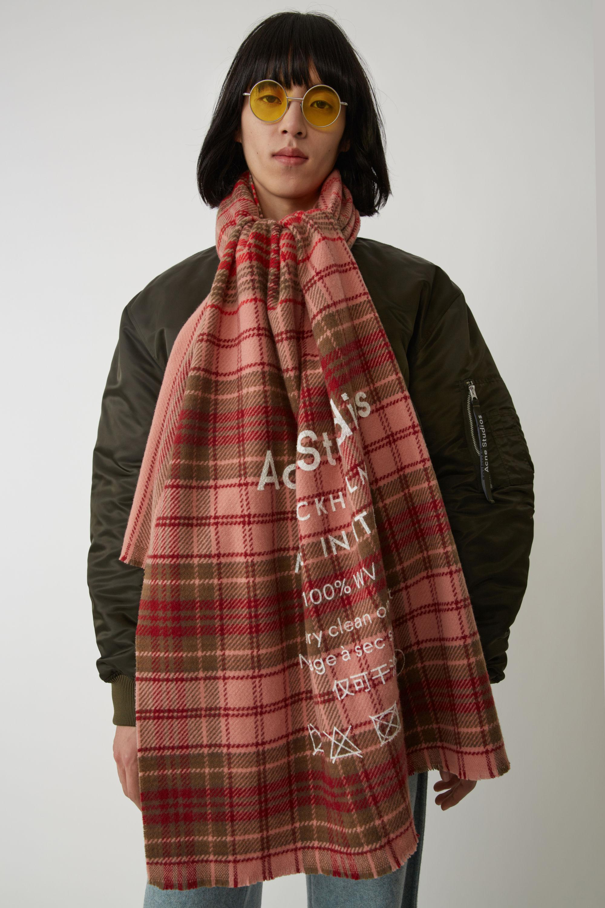 7dcd5cc62ae Acne Studios Checked Logo Scarf pale Pink / Camel Check in Pink for ...