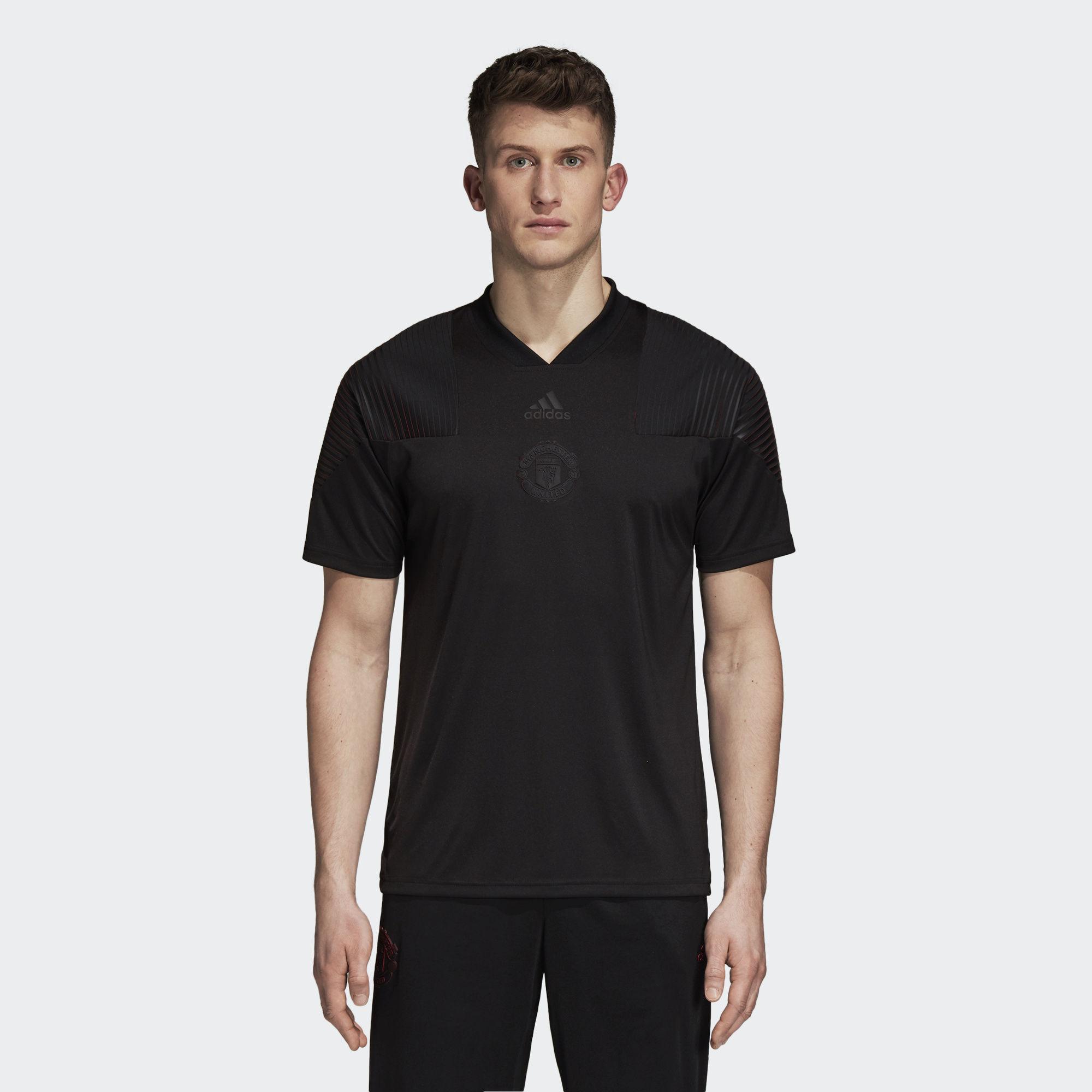 daa32c38779 Gallery. Previously sold at  Adidas · Men s Neon T Shirts ...