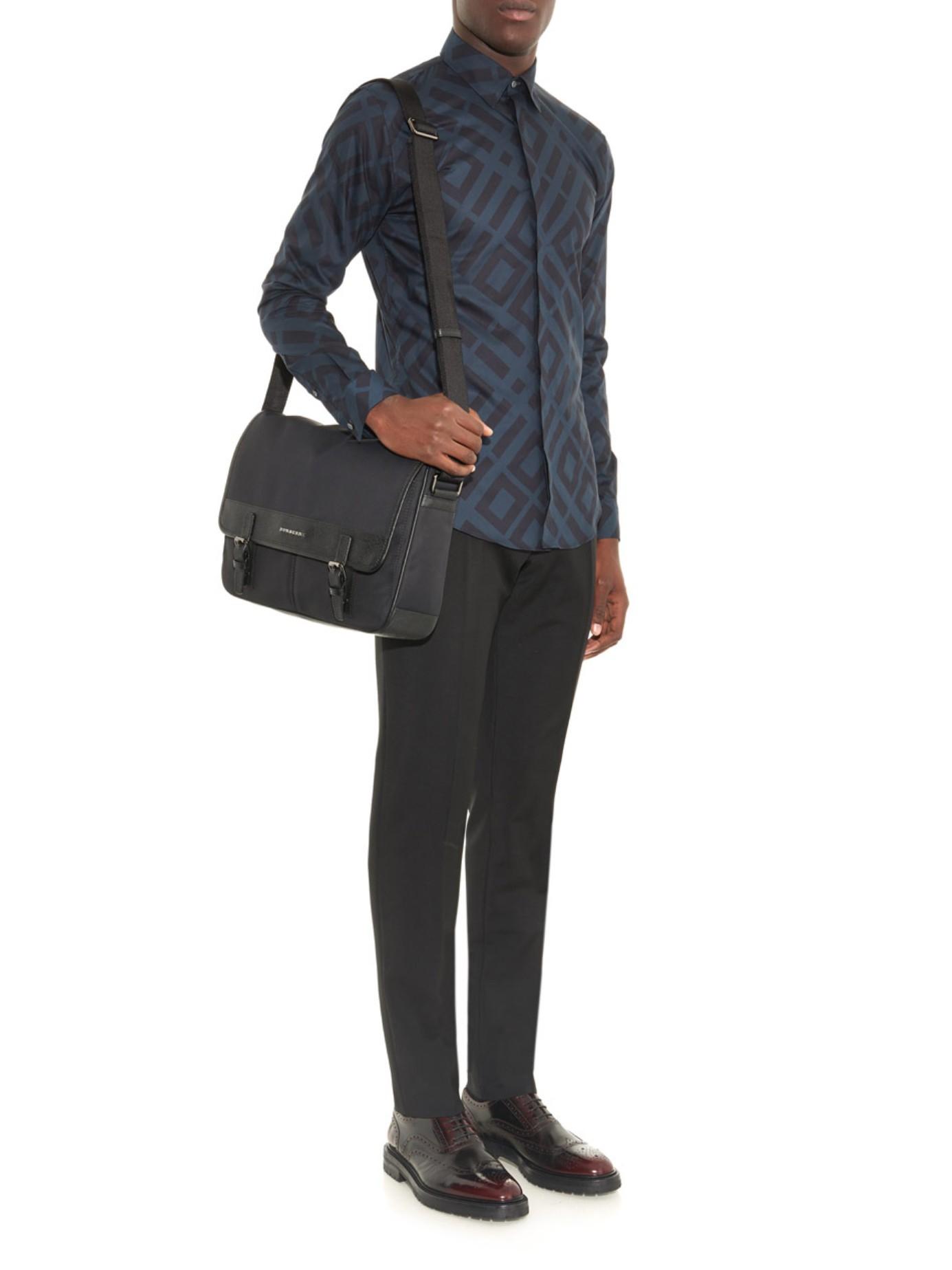 a3d27c3f739b Burberry Fairbank Nylon Messenger Bag in Black for Men - Lyst