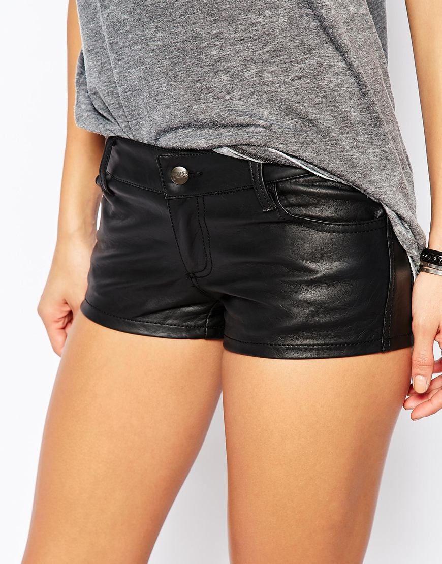 5a60d2f8291 Tripp Nyc Low Rise Leather Look Shorts - Black in Black - Lyst