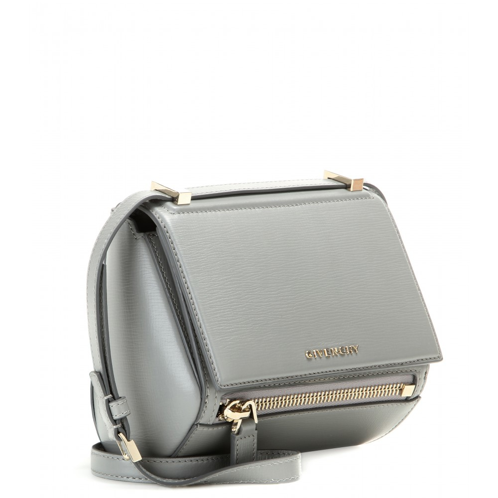 d359dcdcc9 Gallery. Previously sold at: Mytheresa · Women's Box Bags Women's Givenchy  Pandora
