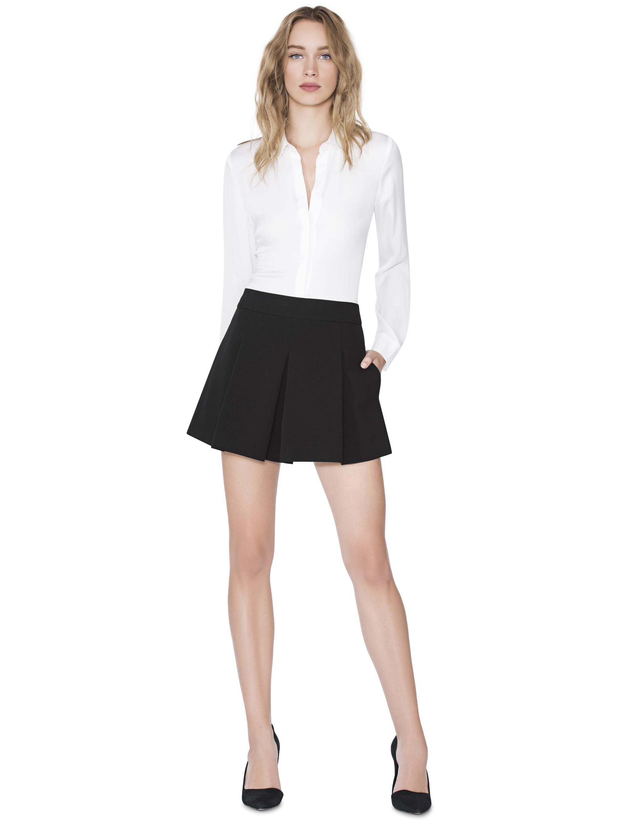 ab52e343d7055 Lyst - Alice + Olivia White Willa Small Collar Placket Top in White