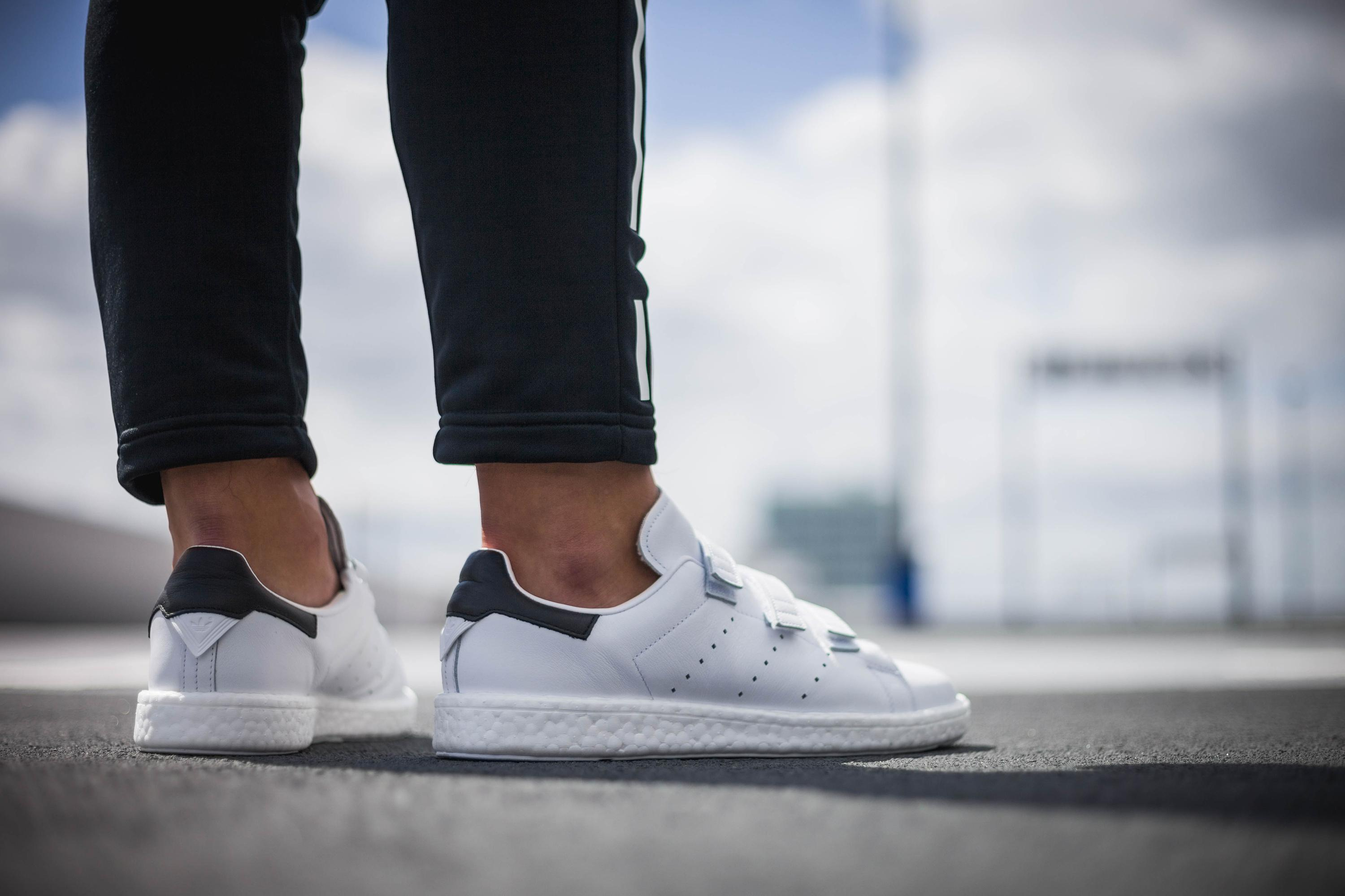 5a80bad183b Gallery. Previously sold at  Allike · Men s Adidas Stan Smith ...