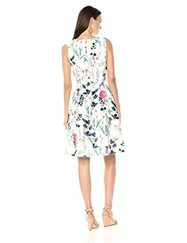 77436301699 Tommy Hilfiger Floral Print Scuba V Neck Fit And Flare in White - Lyst