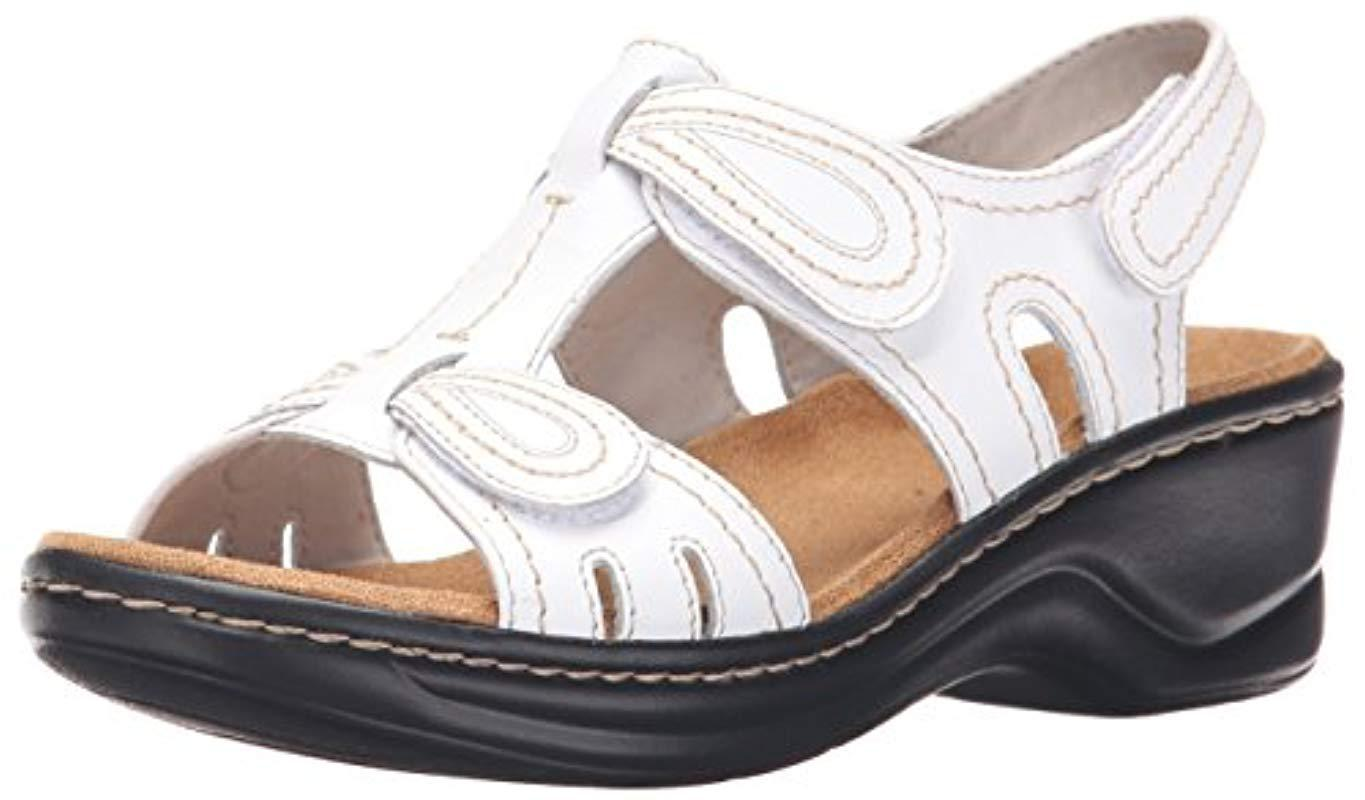 d758b09bc8cb Lyst - Clarks Lexi Walnut Q Platform in White - Save 23.529411764705884%
