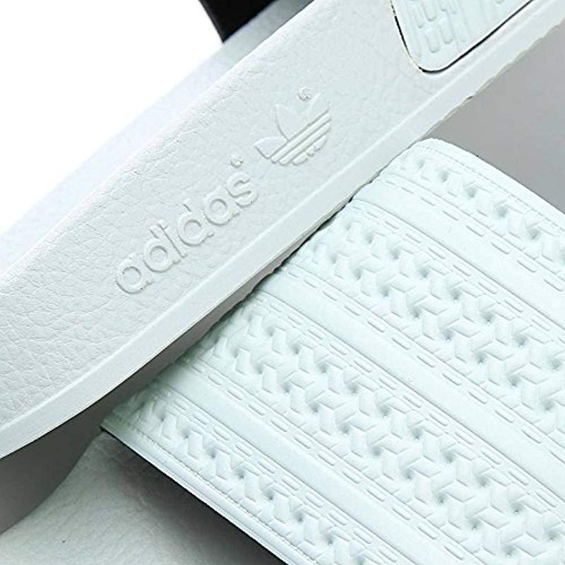 new product 6069e 48615 Adidas - Green Adilette, Chaussures de Plage  Piscine Homme for Men - Lyst.  Afficher en plein écran