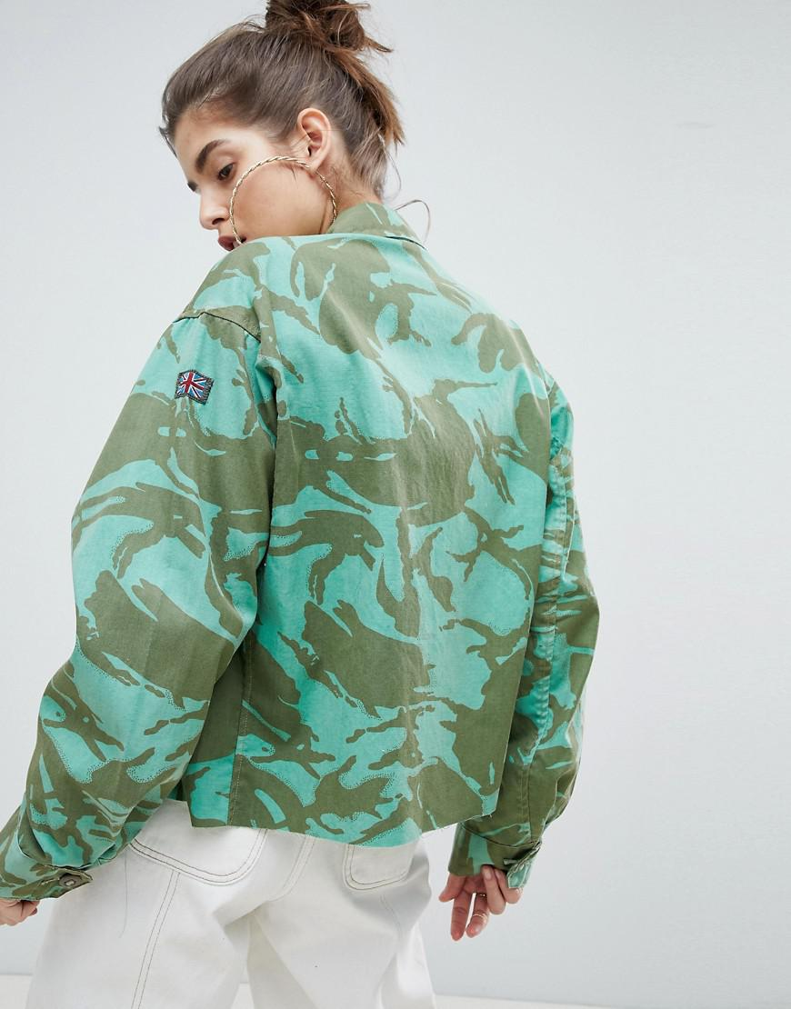 eab5ba876a40f Reclaimed (vintage) Revived Cropped Overdyed Camo Jacket in Green - Lyst