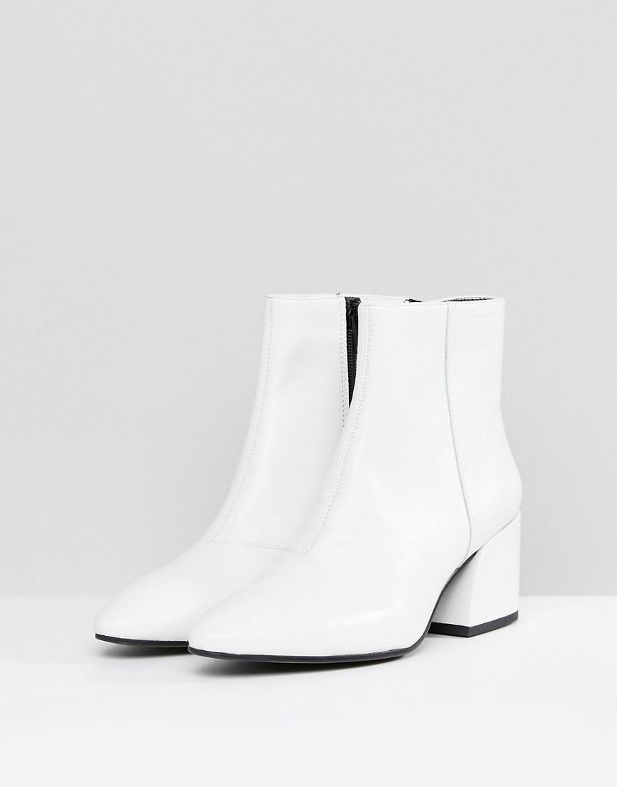 5094fc624a774c Lyst - Vagabond Olivia White Leather Ankle Boot in White