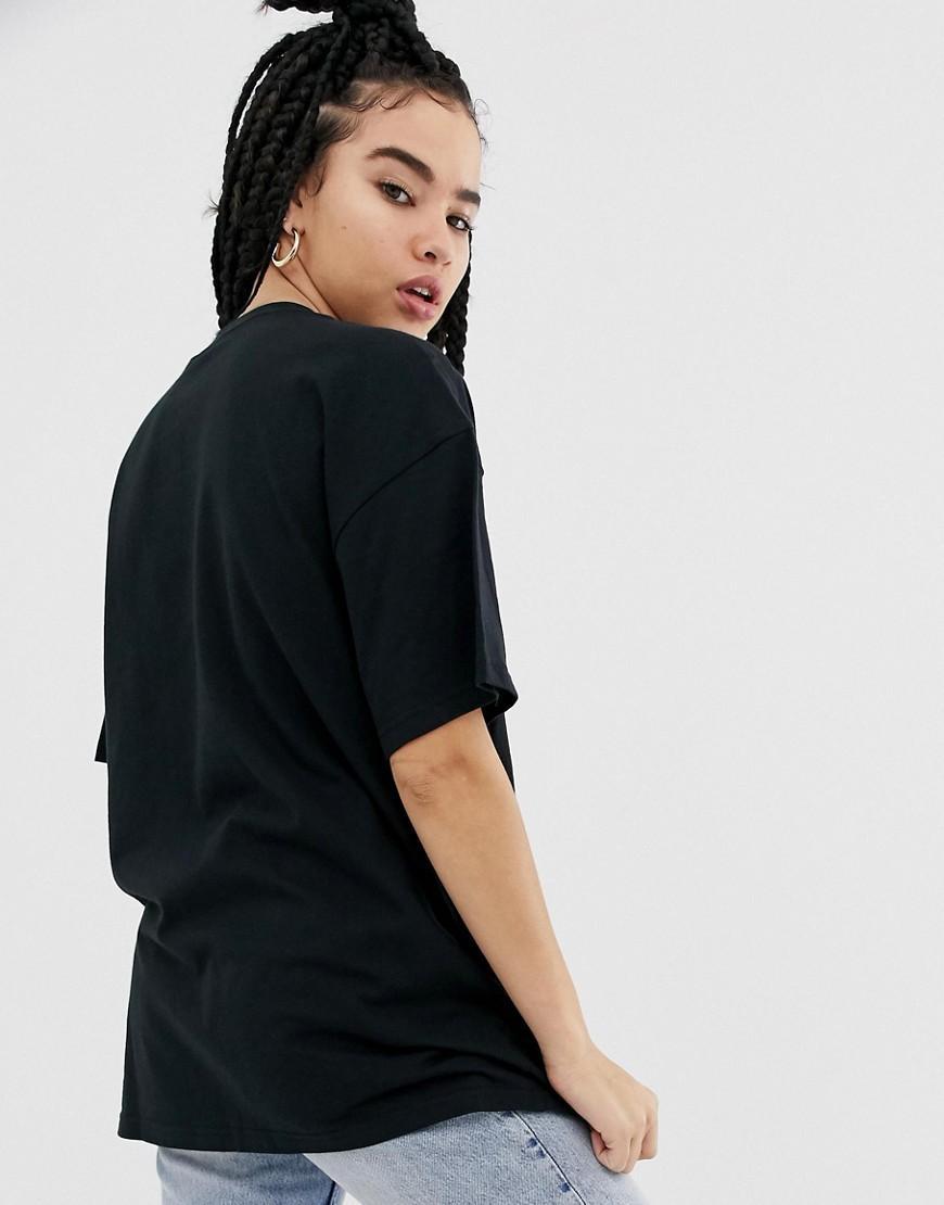 780ef0aed3e Nike Black Mini Swoosh Boyfriend T-shirt in Black - Lyst