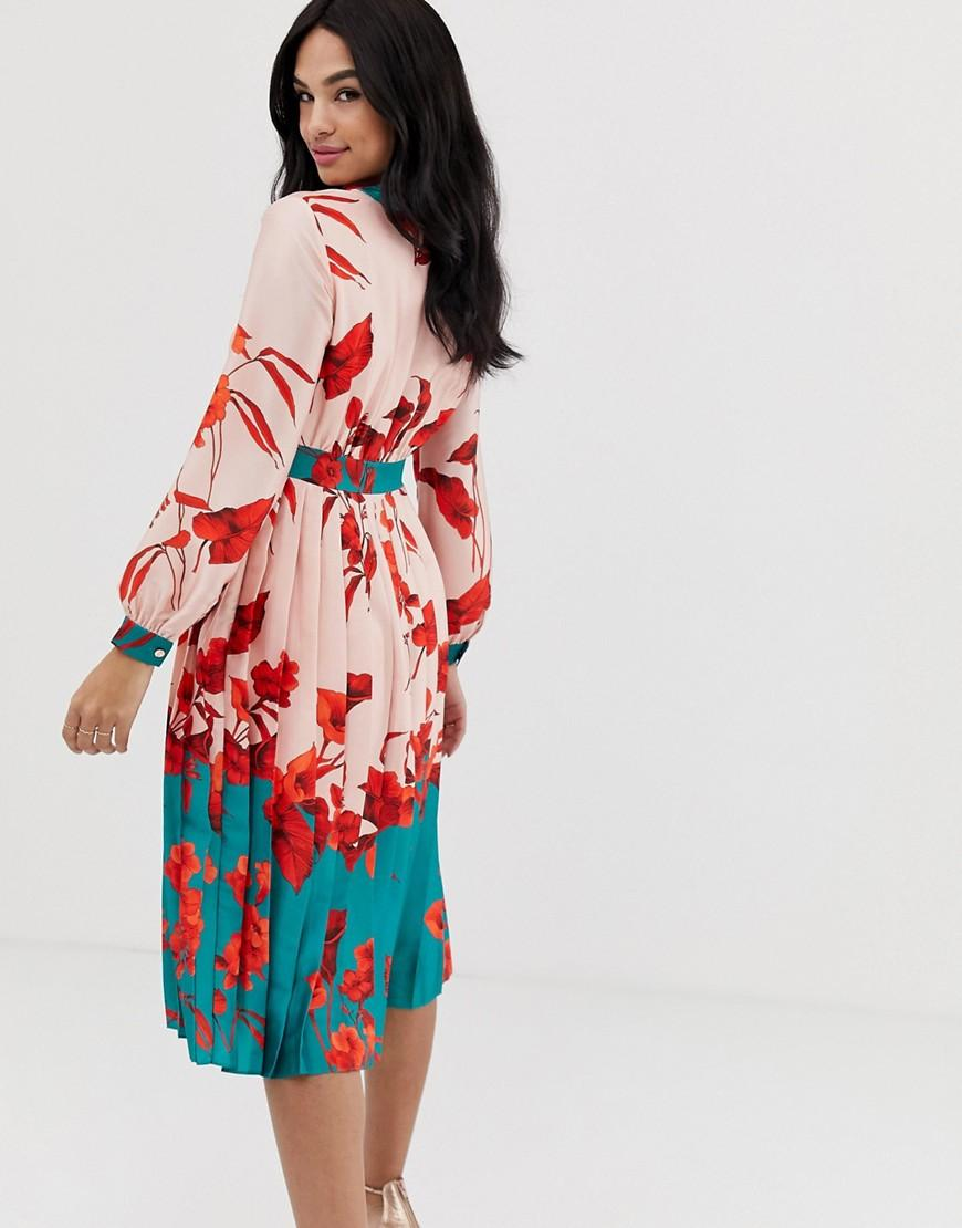 cf8d7dd677582f Lyst - Ted Baker Karolyn Fantasia Pleated Midi Dress in Red