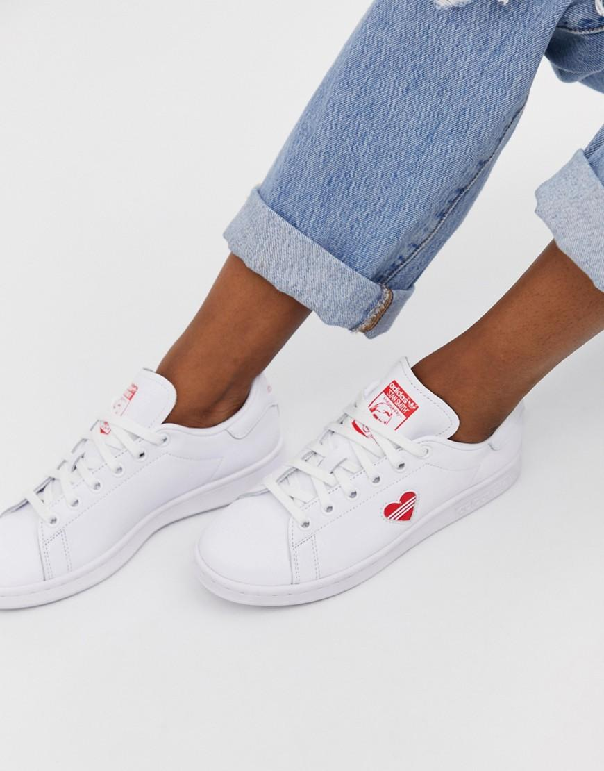 new concept 9eb50 ec92b adidas Originals Stan Smith Sneakers With Red Heart in White - Lyst