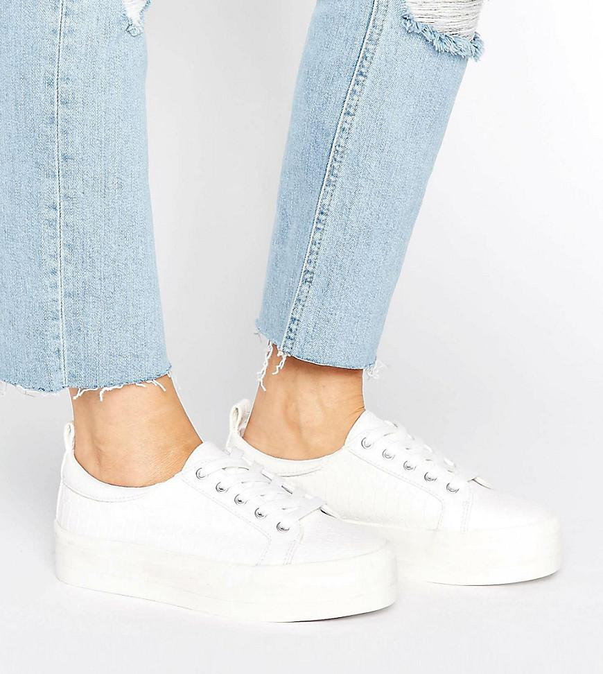 a50ed75959b Lyst - ASOS Dusty Wide Fit Flatform Sneakers in White