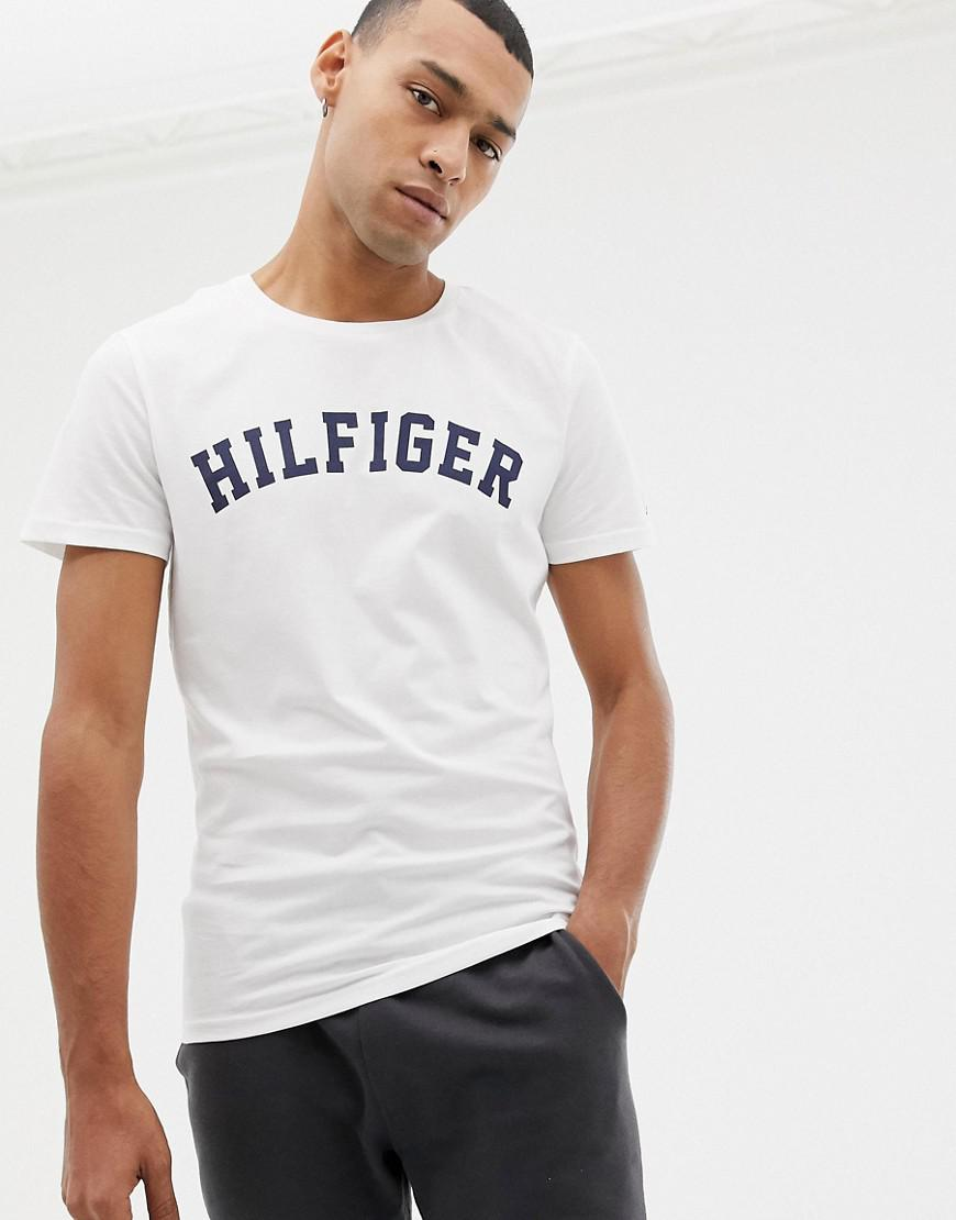 4c88bc575e9 Tommy Hilfiger Logo Crew T-shirt White in White for Men - Lyst
