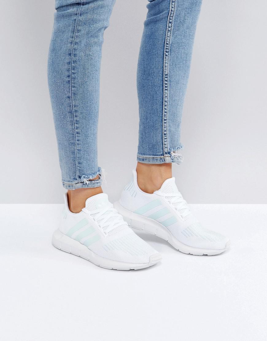 adidas originali originali swift run scarpe bianche con menta
