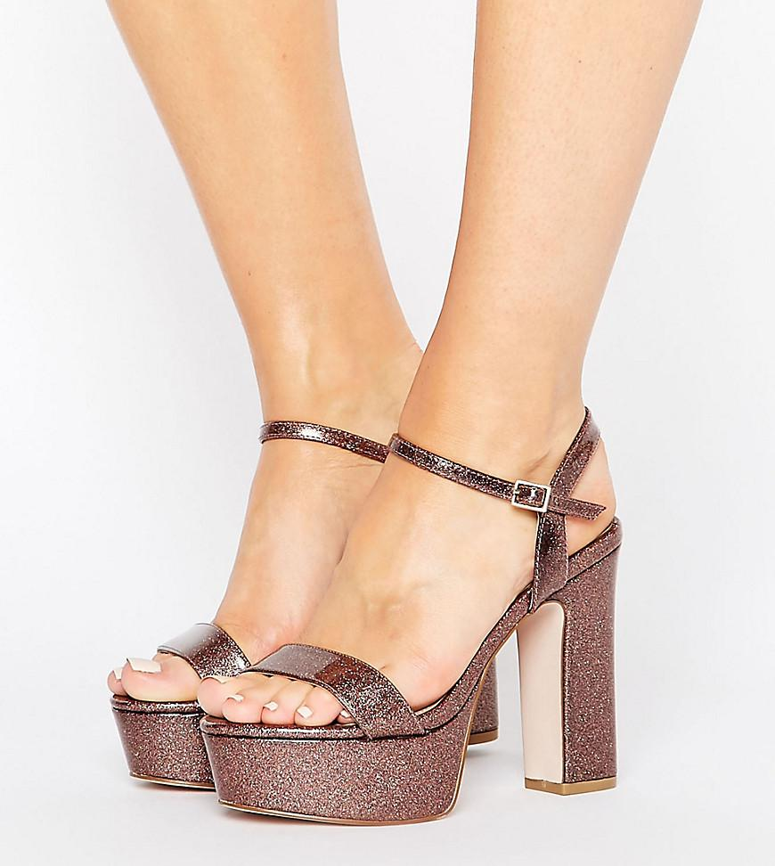 d291824cc31 Gallery. Previously sold at  ASOS · Women s Wedge Heels ...