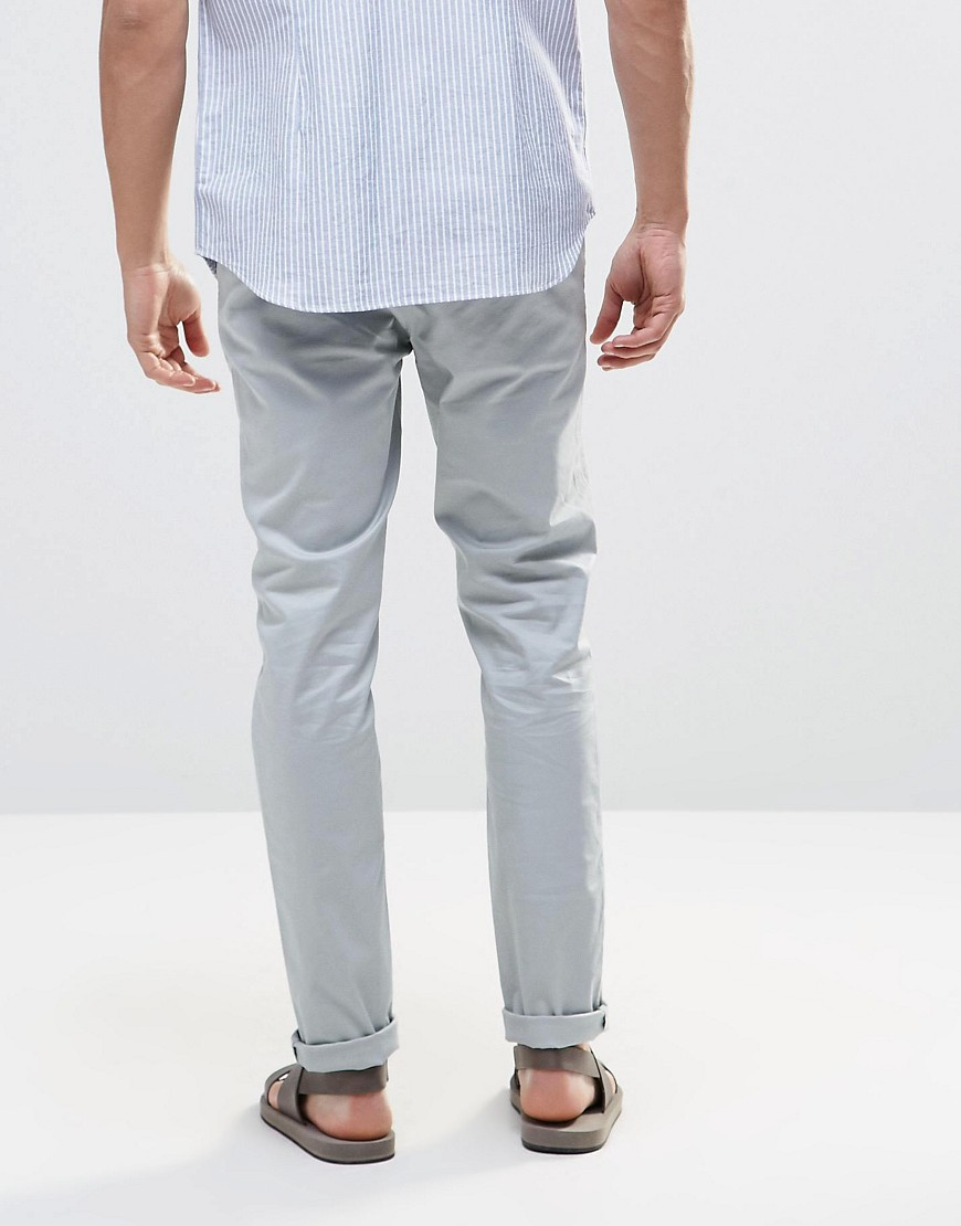 Free shipping and returns on Men's Light Blue Wash Jeans & Denim at ketauan.ga