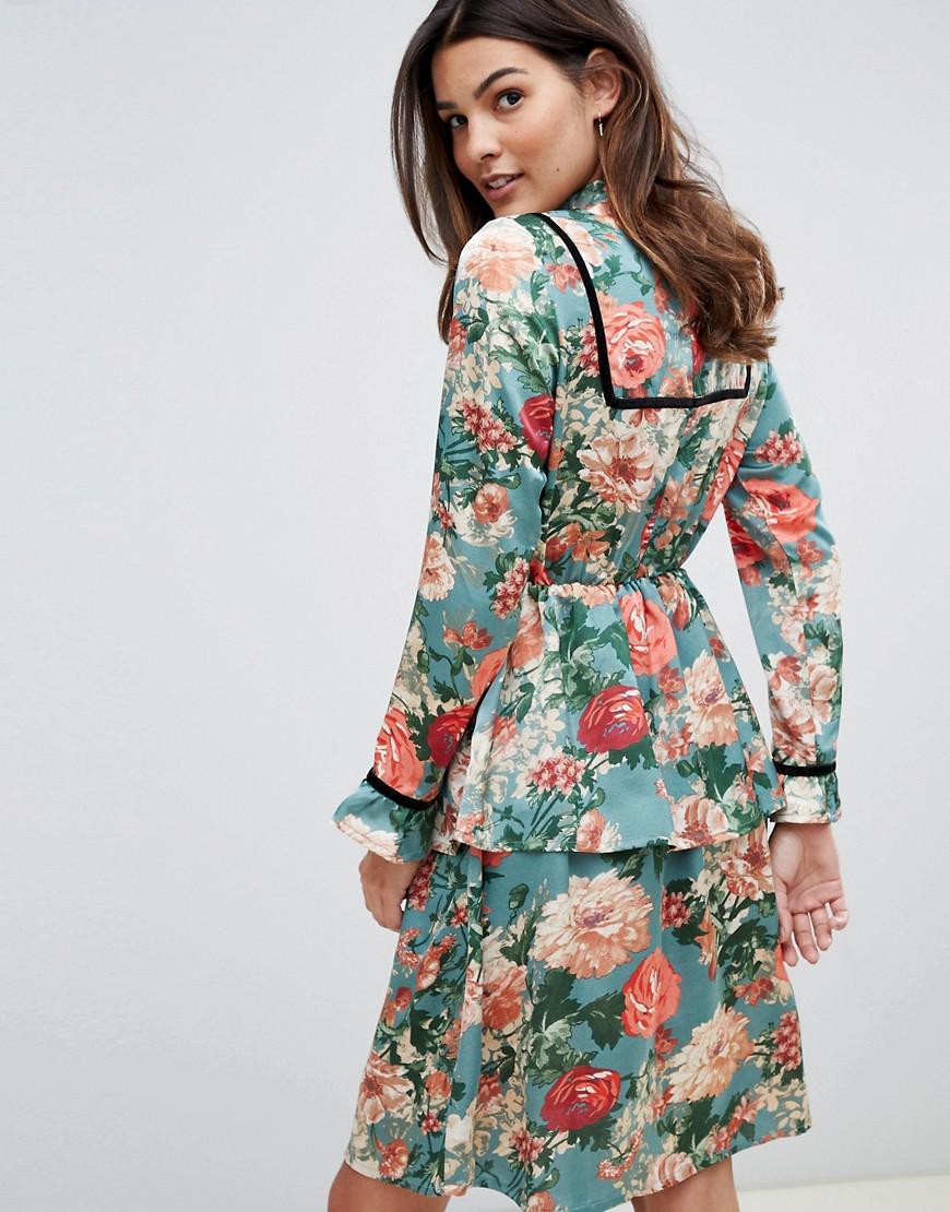 Lyst Robe Mi Longue Fleurs Avec Ornements En Velours Vila
