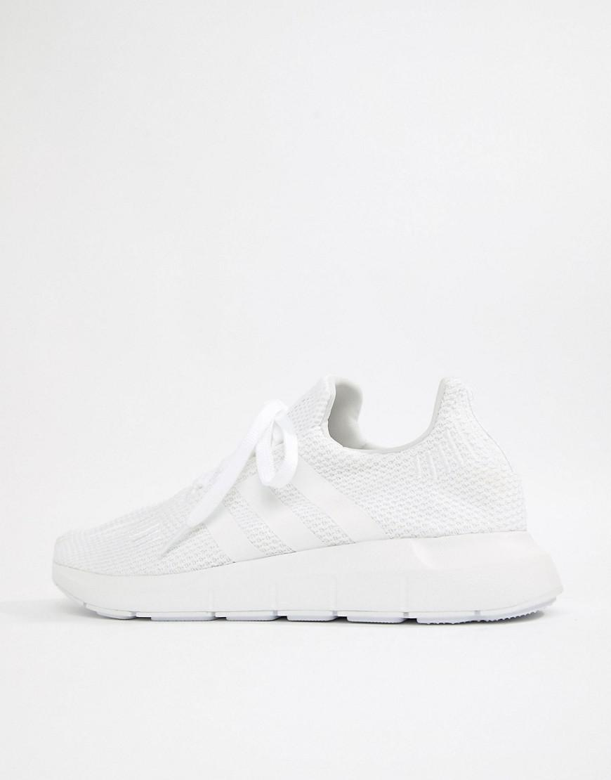 Adidas Originals Swift Run Trainers en blanco b37725 en blanco para los hombres