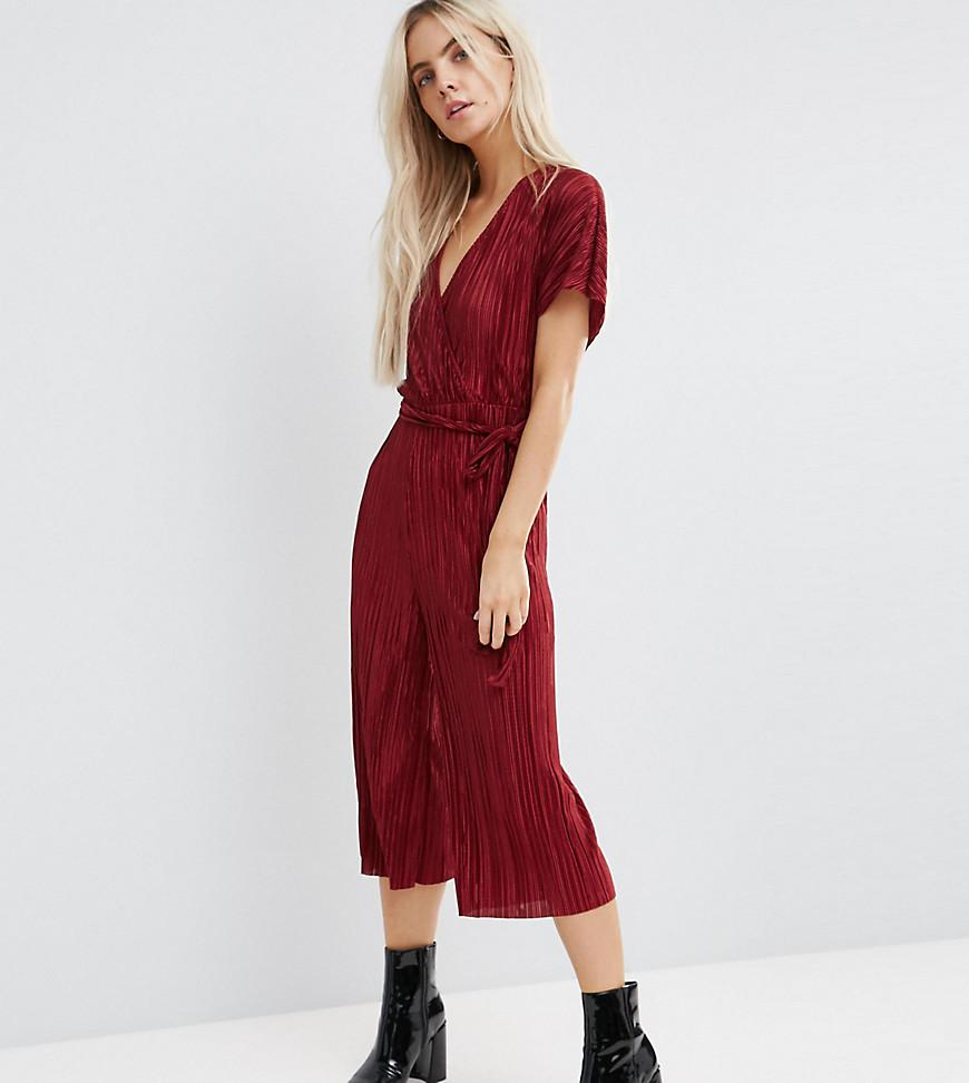 f5fc7ce0e6 Lyst - New Look Plisse Wrap Culotte Jumpsuit in Red