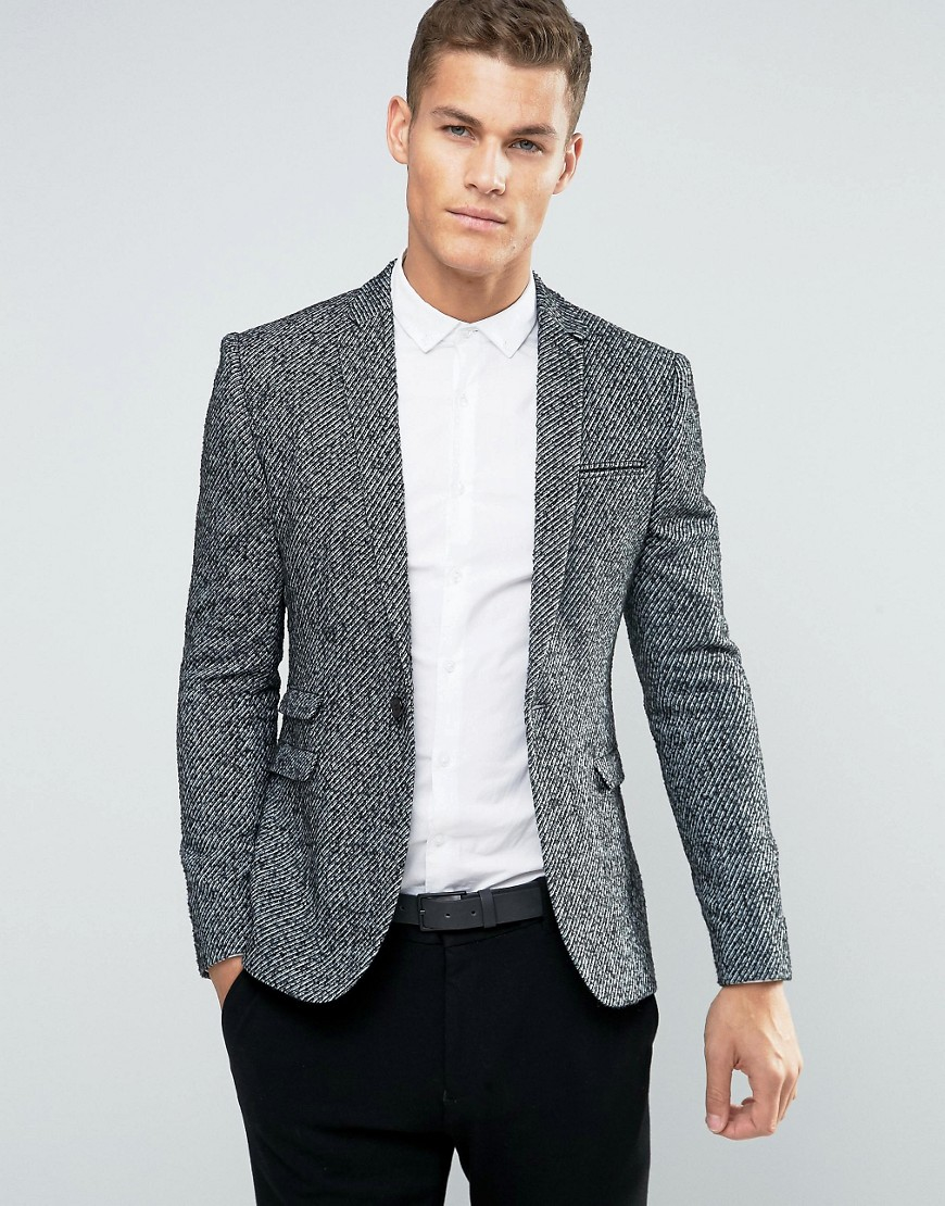 Throw on a men's blazer and transform both work and weekend styles. Choose from wool, linen and tweed looks, in slim, skinny, tailored and regular fits.