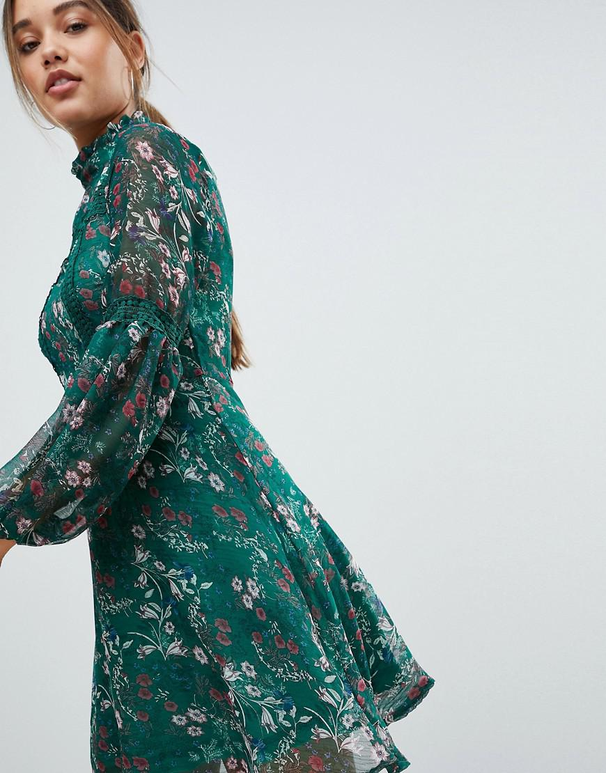 53f7ba0ef732 Lyst - Missguided Floral Print Long Sleeve Skater Dress in Green
