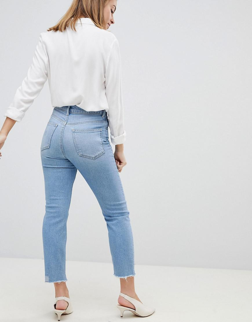 8b3dfd1defd69 ASOS Asos Design Petite Farleigh High Waist Slim Mom Jeans In Zaliki Light  Vintage Wash With Busted Knees in Blue - Lyst
