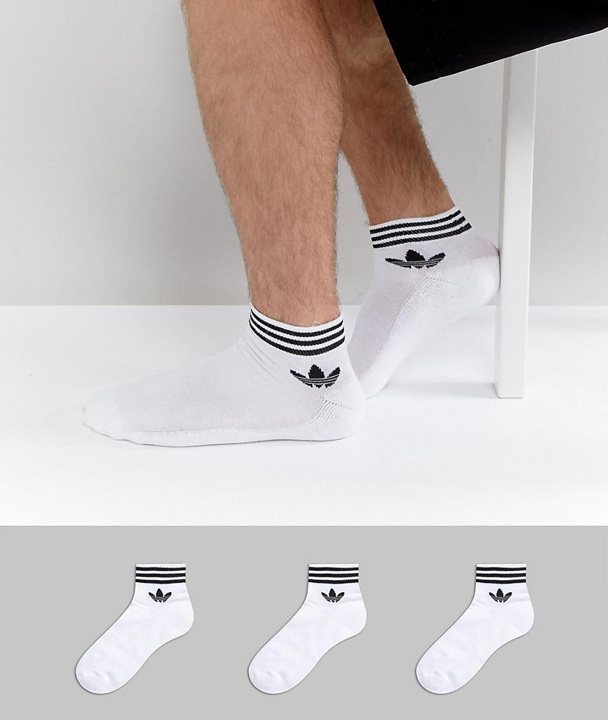 Lyst adidas originali 3 i calzini in bianco az6288 in bianco.