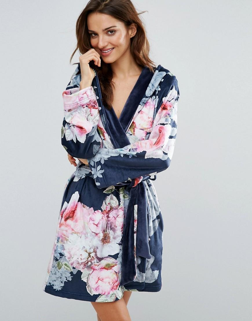 Ted Baker Pure Peony Printed Robe in Black - Lyst