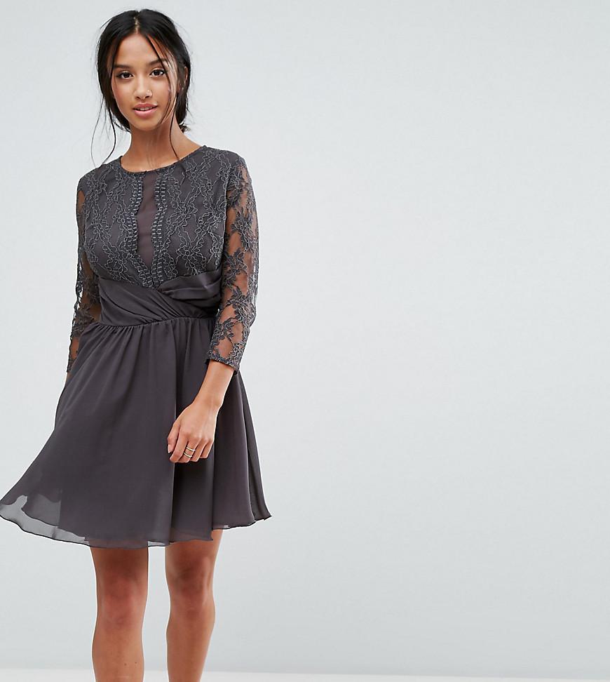 32e9b6b702b Lyst - Elise Ryan Petite Ruched Waist Lace Midi Dress With 3 4 ...