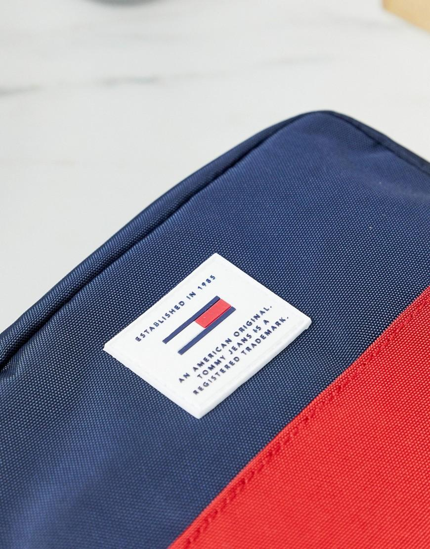 5d6a83edf Tommy Hilfiger Washbag With Contrast Panels In Navy/red in Blue for Men -  Lyst