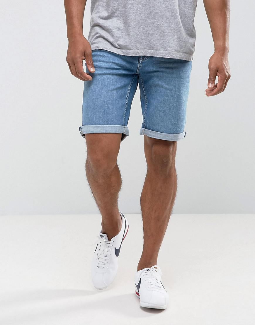 Hollister is the fantasy of Southern California, with clothing that's effortlessly cool and totally accessible. Shop jeans, t-shirts, dresses, jackets and more.