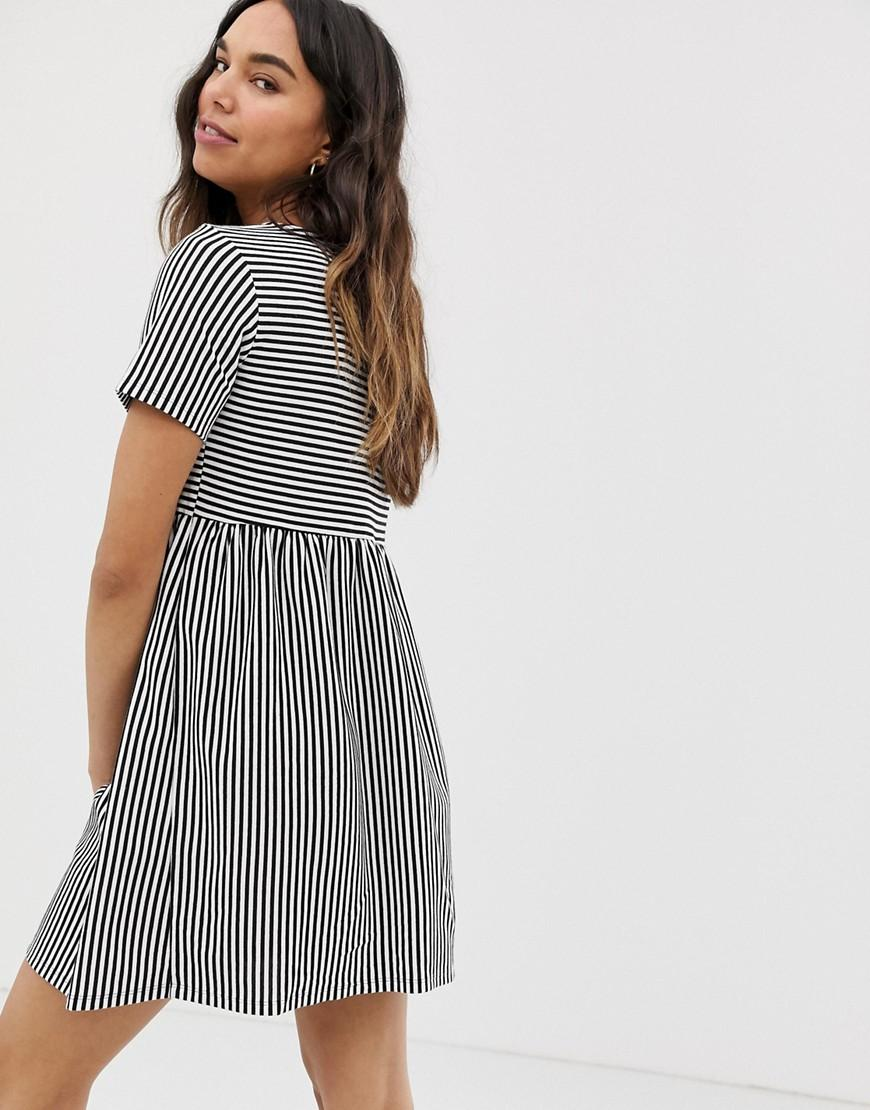 519aec3ea3 ASOS Asos Design Maternity Mini V Neck Button Through Smock Dress In Stripe  - Lyst