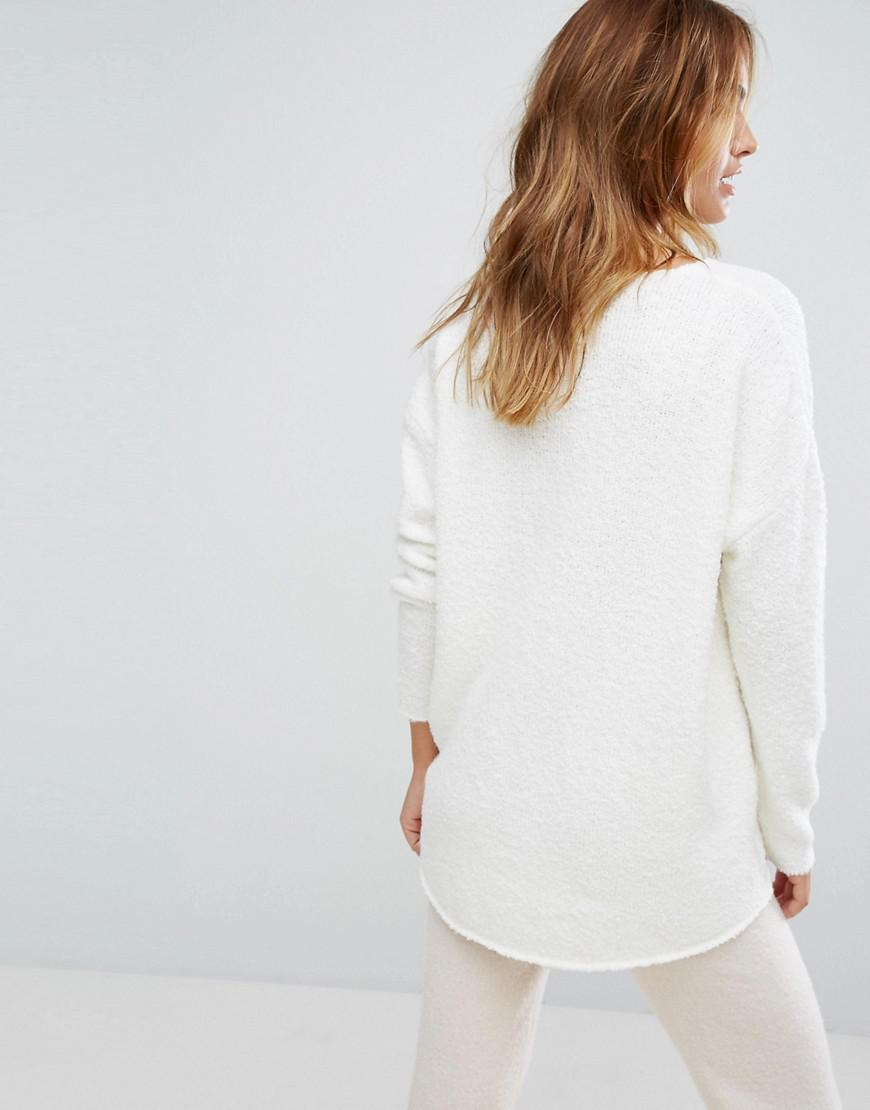 Micha lounge Boucle Oversized Boyfriend Sweater in White | Lyst