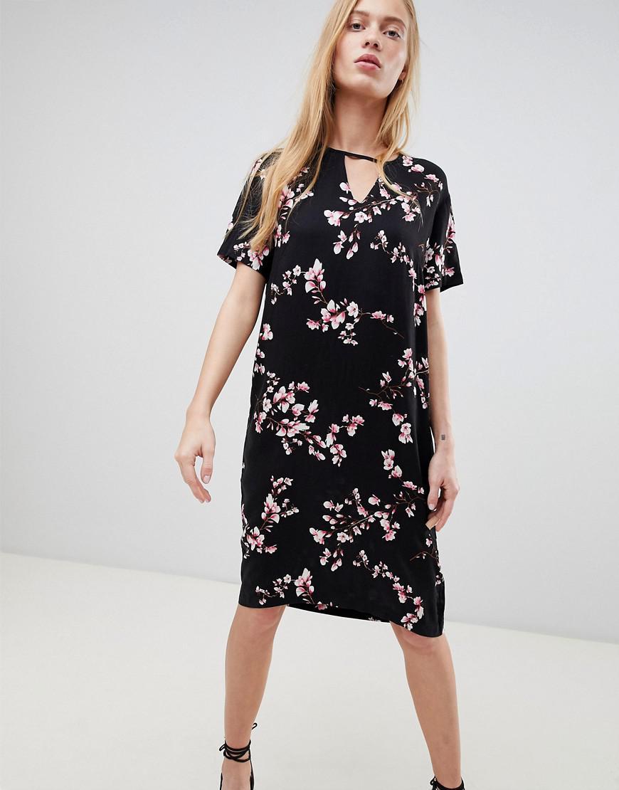 73e37c05afb5 B.Young. Women's Keyhole Neck Cutout Shift Dress
